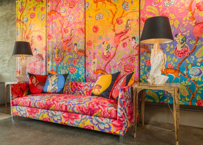 ujiie-1 Sofa-Wallpaper-lamps