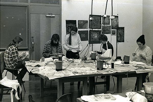 Blumrich teacing batik workshop at Arrowmont photo by Clare Verstegen